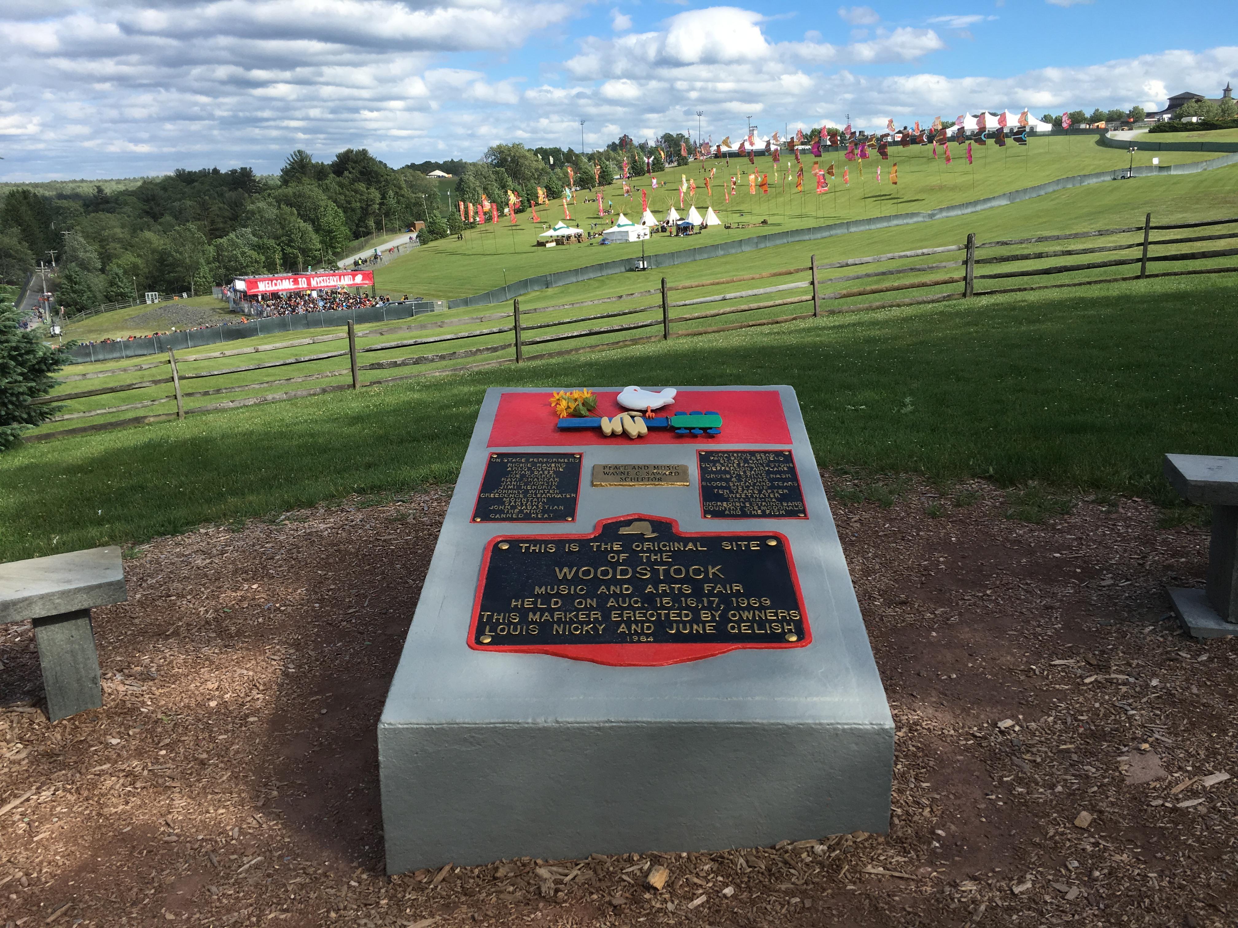 1969_Woodstock_Monument