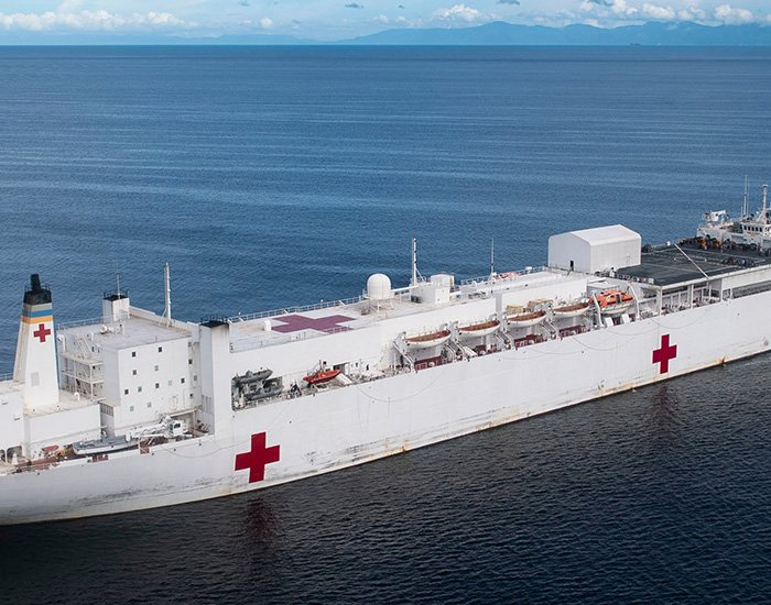 worlds-biggest-hospital-ship-coming-to-nyc-designboom-700