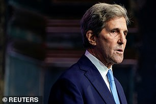 This image has an empty alt attribute; its file name is johnkerry.jpg